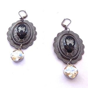 PONDEROSA SWEETGRASS CONCHO EARRINGS